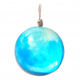 Pendentif sphère nuage bleu clair qui brille dans le noir fluo 2cm diamètre
