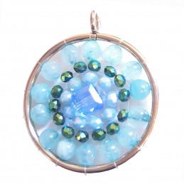 Pendentif médaille fleur en perles de quartz bleu et cristaux + chaine