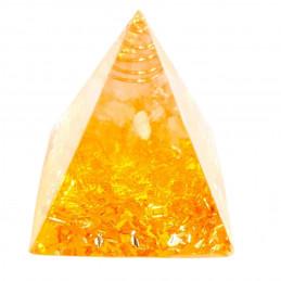 Pyramide orgonite orgone en résine, citrine, copeaux dorés orgo7 5cm