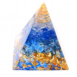 Pyramide orgonite orgone en résine, cristal de roche et galets bleus, copeaux dorés orgo8 5cm